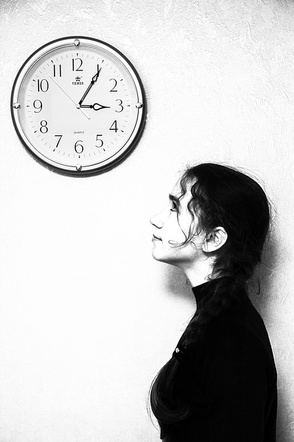 girl-and-clock
