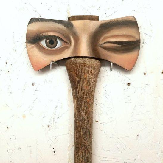 Alexandra Dillon axe