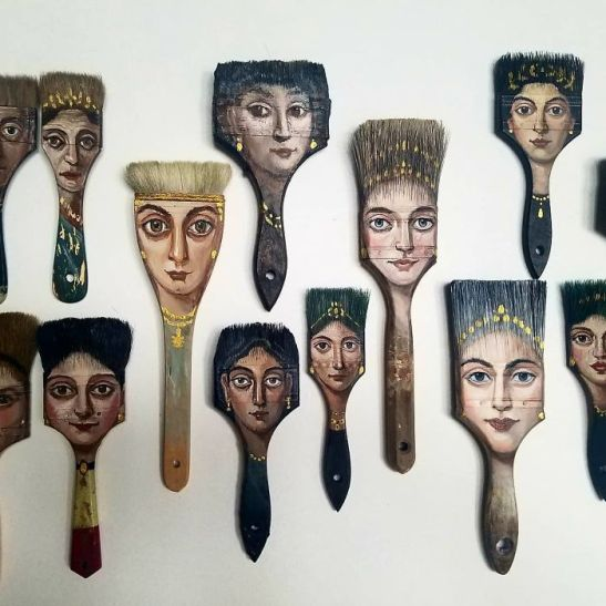 Alexandra Dillon paint brushes